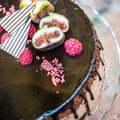 Gluténmentes csokoládés-fügés torta