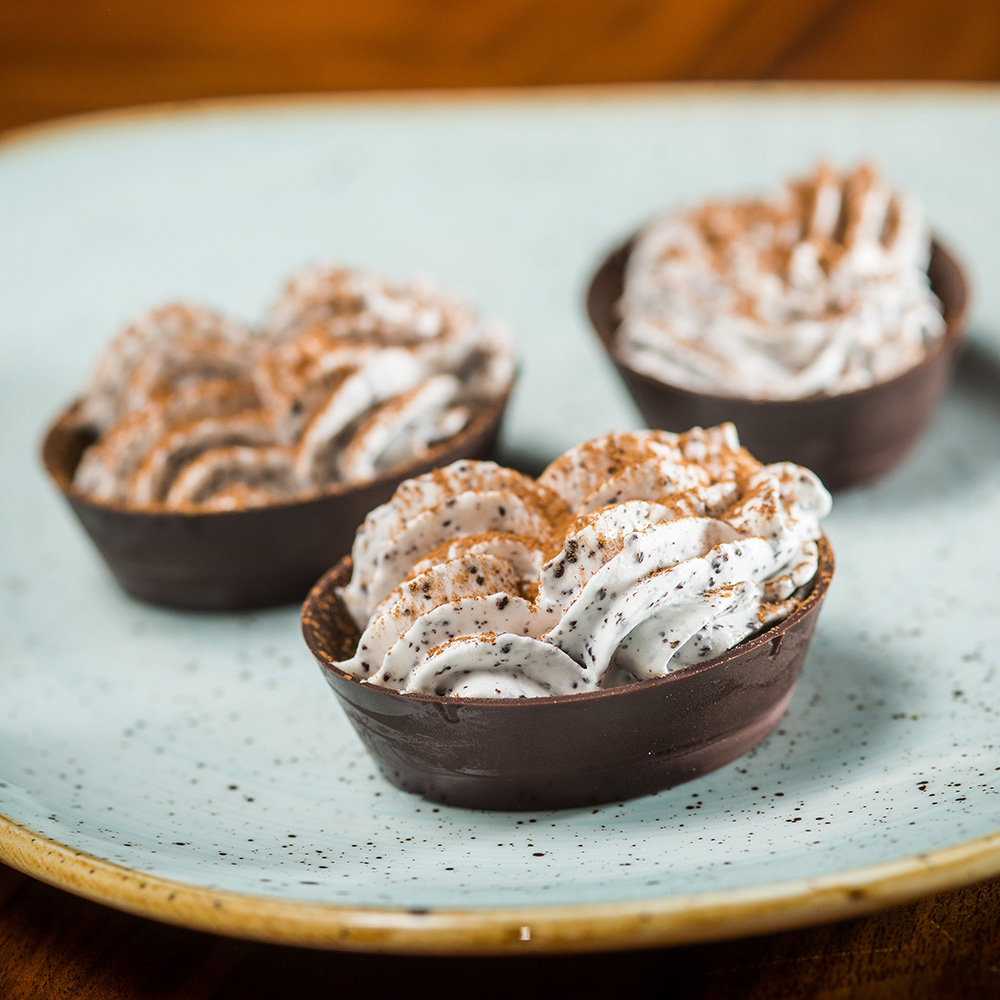 Poppy Seed Mousse & Cinnamon Tartlet