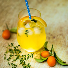 Kakukkfüves citrusos jeges tea